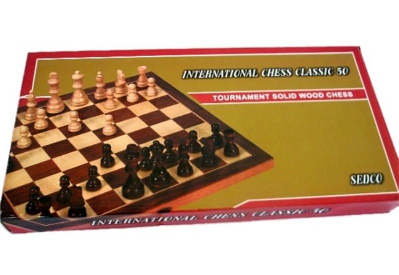 Dřevěné šachy a blackgammon